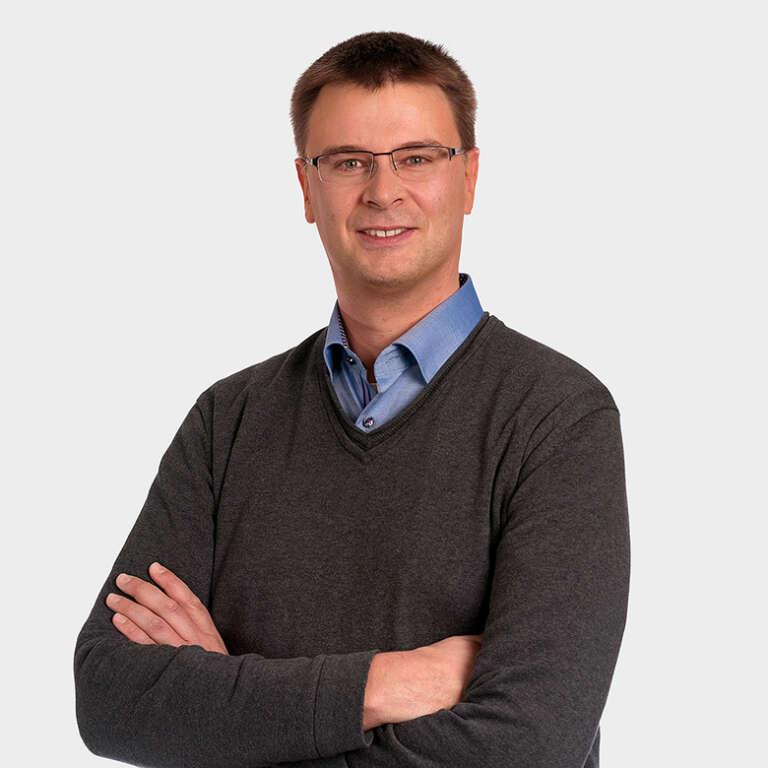 Sven Brucker